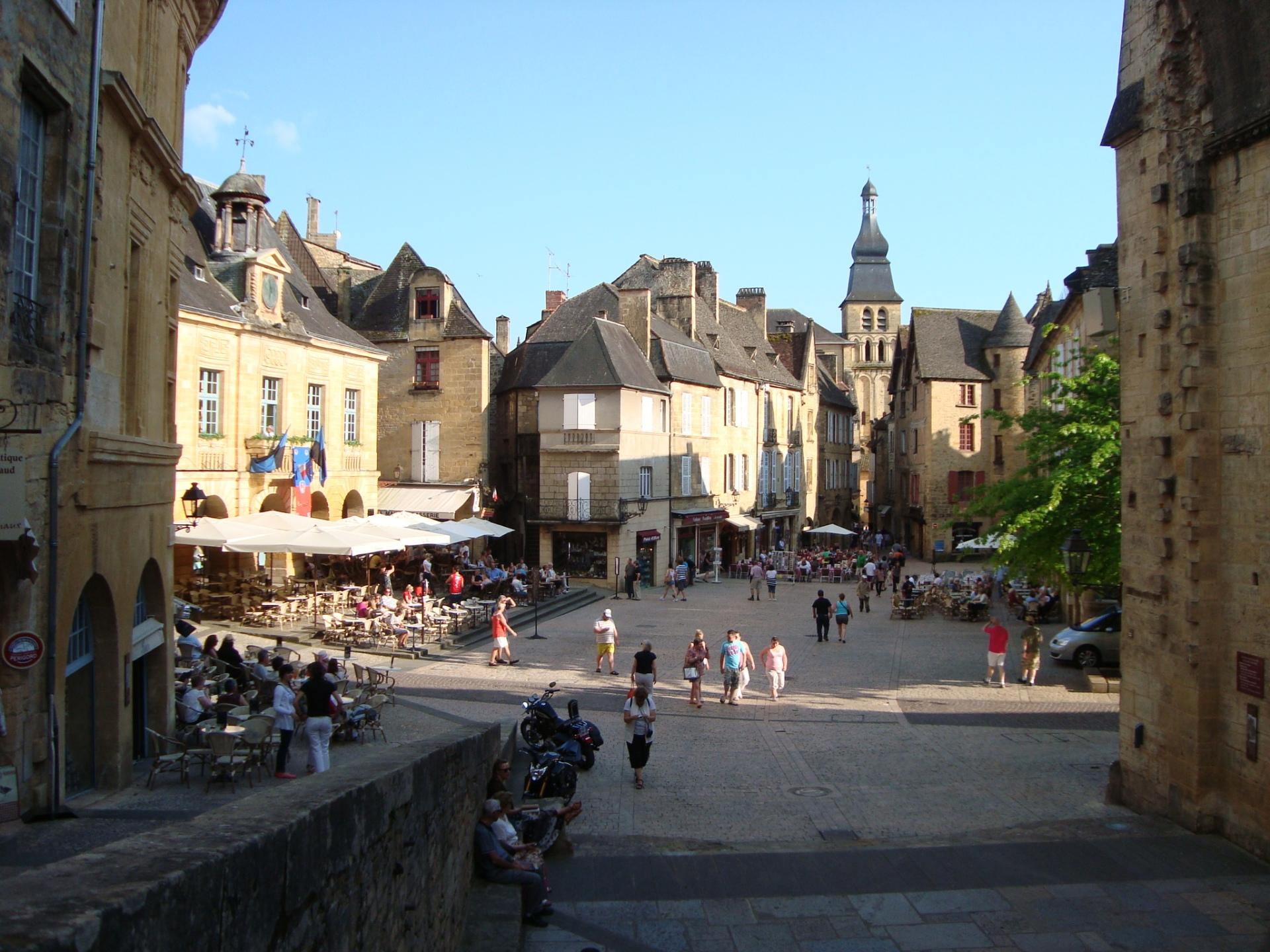 La plaza seca, o el centro de la ciudad